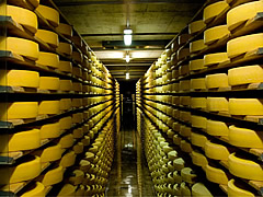 Cave a fromage a Gruyere, Elvetia